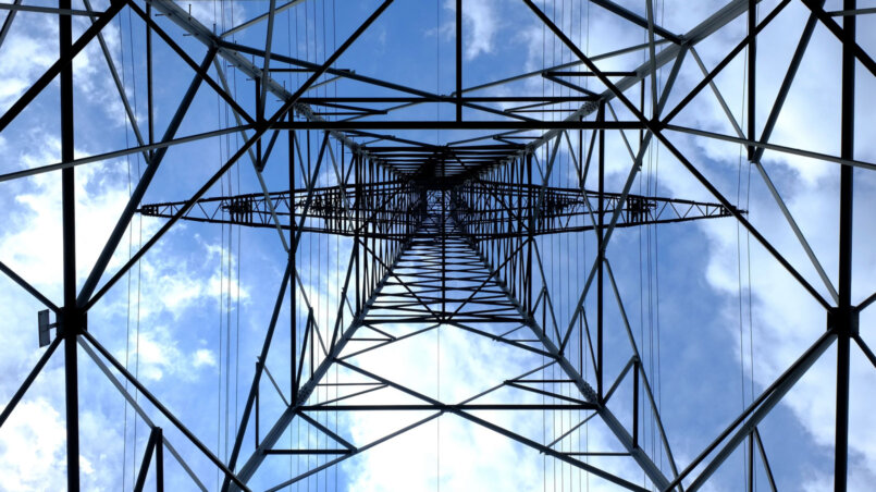 Линий электропередач ЛЭП – безопасны ли они для людей?